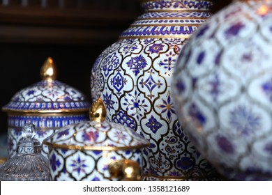 Benjarong striped container set with white background, blue and gold pattern Is a valuable and interesting item of Thailand