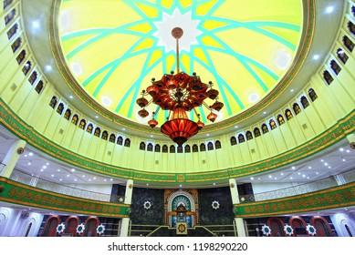 Berau, East Kalimantan, Indonesia : Interior of Berau Great Mosque, the biggest mosque building in the Regency.  (10/2013)