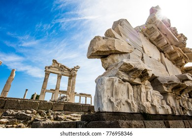 Bergama Acropolis Architecture