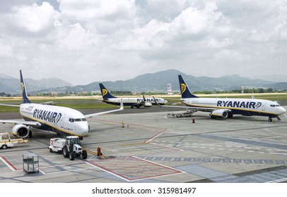 BERGAMO, ITALY - 30 MAY 2015: Three Ryanair airplanes getting ready for flight in Bergamo airport, Italy on 30 May, 2015.