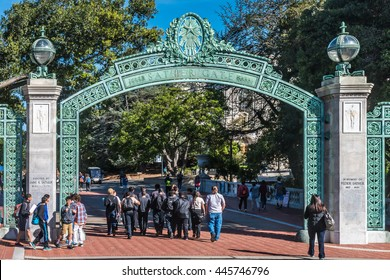 Berkeley, California - March 16, 2016: Students at the University of California pass through Sather Gate, a landmark built in 1910, connects Sproul Plaza to the center of the college campus.