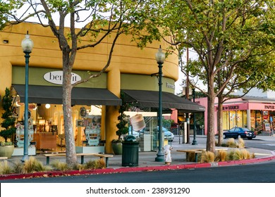 BERKELEY, CA-OCT 21, 2013: Upscale shopping and dining district on leafy 4th Street in West Berkeley attracts visitors and destination shoppers from all over the San Francisco Bay Area.