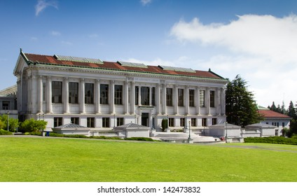 BERKELEY, CA/USA - JUNE 15: The University Library on the campus of the University of California, Berkeley is the fourth largest University library in the United States. June 15, 2013.