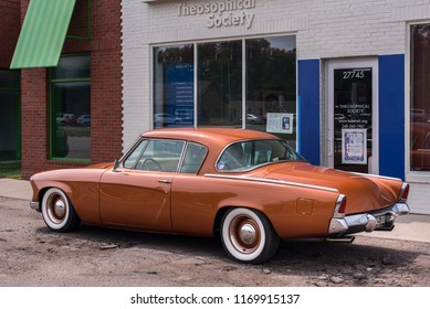BERKLEY, MI/USA - AUGUST 16, 2018: A 1953 Studebaker Commander in front of the Theosophical Society, at the Woodward Dream Cruise.