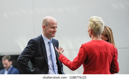 Berlin, 2018-09-25: The new faction leader of the CDU/CSU, Ralph Brinkhaus talks with members of his party at the faction meeting of CDU/CSU at the German Bundestag in Berlin