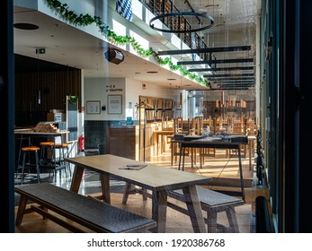 berlin, 2021, february, 19, gastronomy in the city of berlin during the corona lockdown