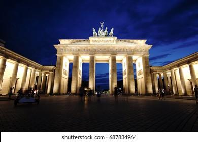 Berlin Brandenburger Tor at night