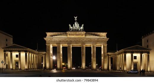 Berlin by night at the Brandenburg Gate
