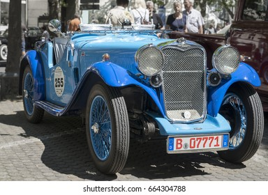 BERLIN CLASSIC CAR SHOW – JUNE 18, 2017: Classic blue Singer Motors Limited vintage car at the Classic Cars Show in Berlin