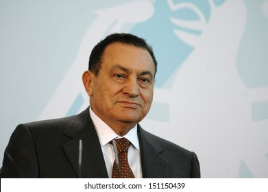 BERLIN - DECEMBER 10: Egyptian President Hosni Mubarak during a meeting with the German Chancellor in the German Chanclery in Berlin, December 10, 2006.