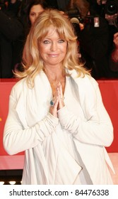 BERLIN - FEBRUARY 10: Goldie Hawn attends the 'Elegy' Premiere at the 58th Berlinale Film Festival at the Berlinale Palast on February 10, 2008 in Berlin, Germany.