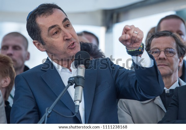 Berlin, Germany, 25th April 2018. Green politician Cem Özdemir speaking at a demo in support of Judaism after an attack on a young man wearing a Kippa appeared online.