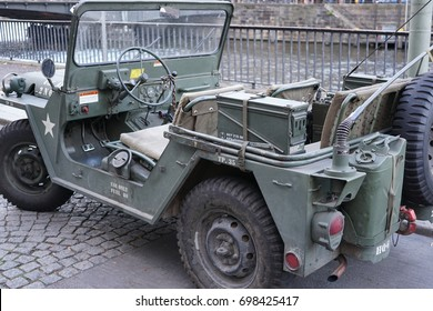 Military Jeep Images, Stock Photos & Vectors | Shutterstock