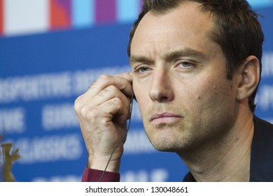 BERLIN, GERMANY - FEBRUARY 12: Actor Jude Law attends the 'Side Effects' Press Conference during the 63rd Berlinale  Festival at the Grand Hyatt Hotel on February 12, 2013 in Berlin, Germany.