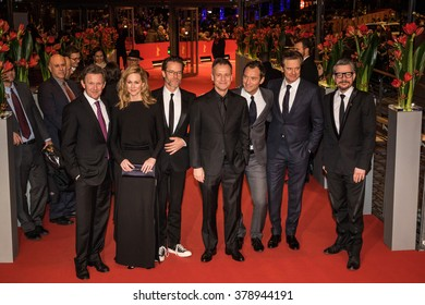 Berlin, Germany - February 16, 2016  - Actors Colin Firth, Laura Linney, Jude,director Michael Grandage and actor Guy Pearce attend the 'Genius' premiere during the 66th Berlinale Film Festival
