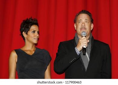BERLIN, GERMANY - NOV 5: Tom Hanks, Halle Berry at the 'Cloud Atlas' Germany Premiere at CineStar on November 5, 2012 in Berlin, Germany
