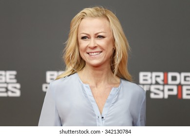 "BERLIN, GERMANY - NOVEMBER 13:  Jenny Elvers attends German premiere of ""Bridge of Spies"" at ZOO Palast cinema on November 13, 2015 in Berlin, Germany"