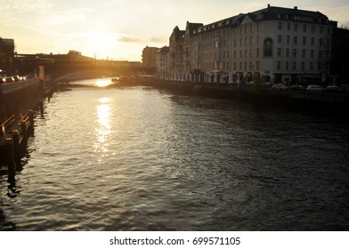 BERLIN, GERMANY - NOVEMBER 9 : View landscape and cityscape with Weidendammer Bridge and Spree river in sunset time at Berlin city on November 9, 2016 in Berlin, Germany