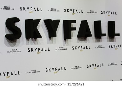 """BERLIN, GERMANY - OCTOBER 30:Germany premiere of James Bond 007 movie """"Skyfall"""" at the Theater am Potsdamer Platz on October 30, 2012 in Berlin, Germany"""