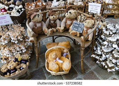 BERLIN, GERMANY -  SEPTEMBER 10, 2013 :Teddy bears in Berlin