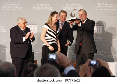 "BERLIN - JULY 3, 2008 - BERLIN: Henry Kissinger, Gabriele von Habsburg, Richard Holbrooke, former US President George Bush sen. at the ""Kissinger Prize"" award ceremony in the American Academy, Berlin."