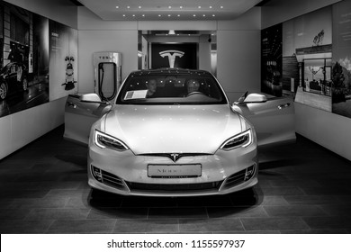BERLIN - JUNE 09, 2018: Shoroom. Mid-size luxury car all-electric five-door liftback car Tesla Model S. Black and white.