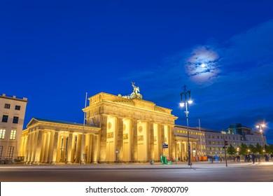 Berlin night skyline at Brandenburg Gate (Brandenburger Tor), Berlin, Germany