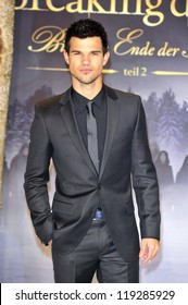 BERLIN - NOVEMBER 16: Taylor Lautner attends the 'Twilight Saga: Breaking Dawn Part 2' Germany Premiere at CineStar on November 16, 2012 in Berlin, Germany.
