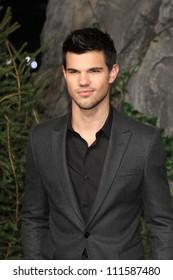 BERLIN - NOVEMBER 18: Taylor Lautner attends the Germany Premiere of 'The Twilight Saga: Breaking Dawn Part 1 on November 18, 2011 in Berlin, Germany.