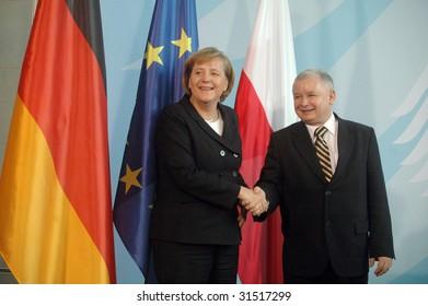 BERLIN, OCTOBER 30: German Chancellor Angela Merkel and  Polish Prime Minister Jaroslav Kaczynski shake hands at a meeting in Berlin on October 30, 2006