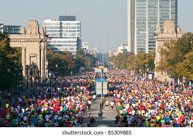 BERLIN - SEPTEMBER 25: Over 40,000 registered runners participate in the Berlin Marathon on September 25, 2011 in Berlin, Germany.
