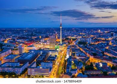 Berliner Skyline in der Nacht
