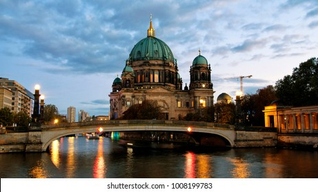 Berliner Dom (Berlin cathedral) over Spree river