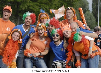 BERN - JUNE 9: Holland football team fans before Holland - Italy match. UEFA EURO 2008 GROUP C.  June 9, 2008 in Bern, Switzerland.
