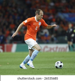 BERN, SWITZERLAND - JUNE 13:  Arjen Robben of the Netherlands in action during a UEFA Euro 2008 Group C match against France at the Stade de Suisse June 13, 2008 in Bern, Switzerland.