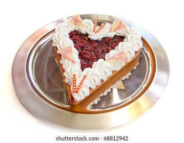 Berries tart in heart form