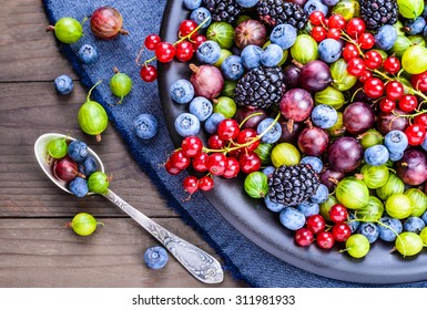 Berries.Antioxidants, detox diet, organic fruits.