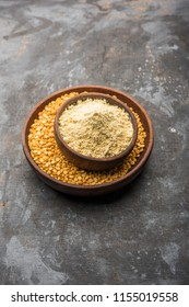 Besan, Gram or chickpea flour is a pulse flour made from a variety of ground chickpea known as Bengal gram. popular ingredient for Pakora/pakoda or bajji snack. Selective focus