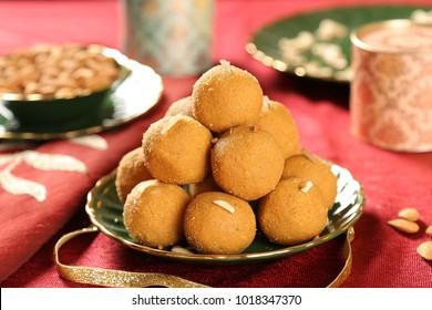 Besan Ladoos, Indian Sweets.