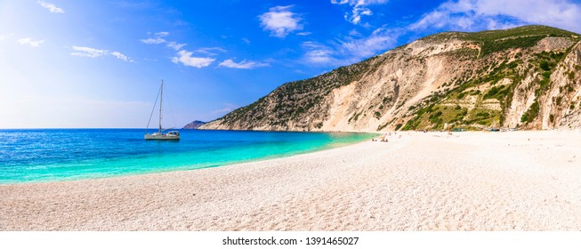 Best beaches of Greece - Myrtos in Kefalonia island