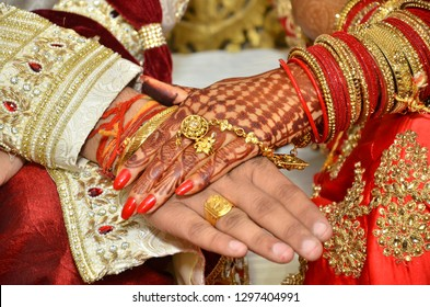 Best couple hand's pic..