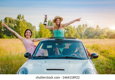 Best friends having fun celebrating car ride sunset group happy people outdoors vacation nature, friendship youth, concept journey, along with positive nostalgic emotions