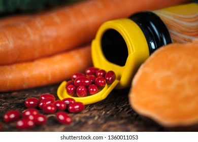 Beta carotene supplements pills and natural sources of beta carotene in fresh vegetables.  Antioxidant supplements and natural sources of beta carotene.