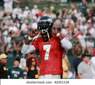 BETHLEHEM, PA - AUG 8: Philadelphia Eagles quarterback #7 Michael Vick practices at the Eagles training camp held August 8, 2011 at Lehigh University in Bethlehem, Pennsylvania