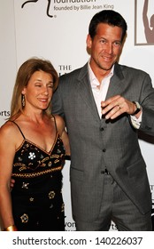 BEVERLY HILLS - APRIL 20: James Denton and wife Erin at the inaugural The Billies presented by The Women's Sports Foundation at Beverly Hilton Hotel on April 20, 2006 in Beverly Hills, CA.