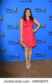 BEVERLY HILLS - AUG 4: Lauren Ash at the 2013 Television Critics Association's Summer Press Tour - Disney/ABC Party at The Beverly Hilton Hotel on August 4, 2013 in Beverly Hills, California