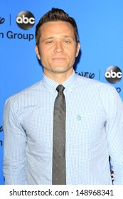 BEVERLY HILLS - AUG 4: Seamus Dever at the 2013 Television Critics Association's Summer Press Tour - Disney/ABC Party at The Beverly Hilton Hotel on August 4, 2013 in Beverly Hills, California