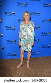 BEVERLY HILLS - AUG 4: Susan Sullivan at the 2013 Television Critics Association's Summer Press Tour - Disney/ABC Party at The Beverly Hilton Hotel on August 4, 2013 in Beverly Hills, California
