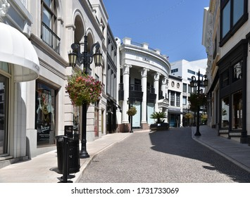 Beverly Hills, CA/USA - May 8, 2020: Versace store on Two Rodeo Drive closed during COVID-19 quarantine