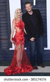 BEVERLY HILLS - FEB 28: Gwen Stefani, Blake Shelton at the 2016 Vanity Fair Oscar Party on February 28, 2016 in Beverly Hills, California
